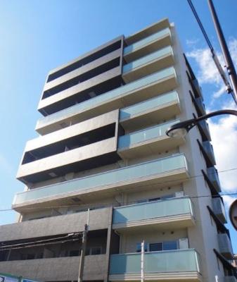 鉄筋コンクリート造9階建てのオートロックマンション