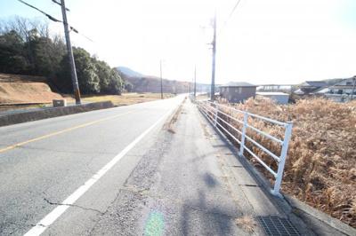 【前面道路含む現地写真】東広島市西条町馬木