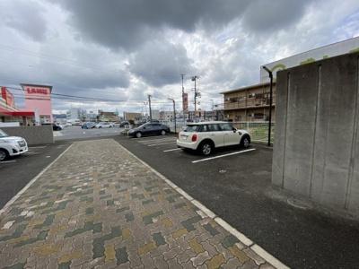 【駐車場】アバンセα