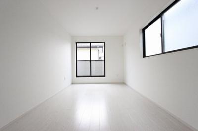 個人の部屋や寝室として使える洋室です:建物完成しました♪毎週末オープンハウス開催♪三郷新築ナビで検索♪