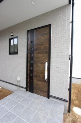きれいな玄関です:建物完成しました♪毎週末オープンハウス開催♪三郷新築ナビで検索♪