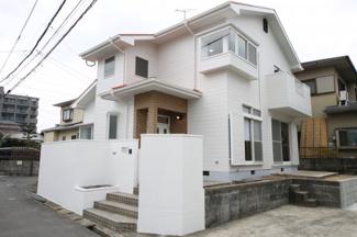 外壁・屋根塗装も行ってすっかりキレイに生まれ変わりました。 駐車3台可【片縄小 徒歩12分】