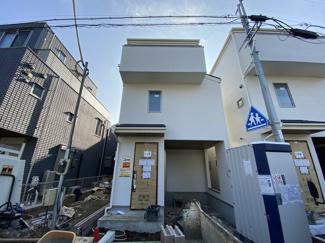 京成本線「鬼越」駅徒歩9分の全5棟の新築一戸建てです。