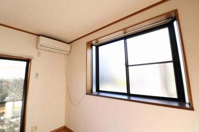 エアコン・出窓