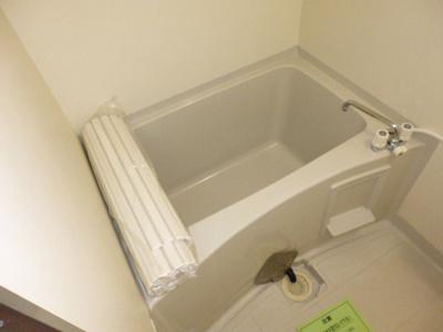 【浴室】ビバリースクエアA