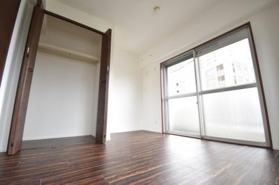 各居室に収納スペースをご用意しております。マンションで収納が多いのは嬉しいですね。