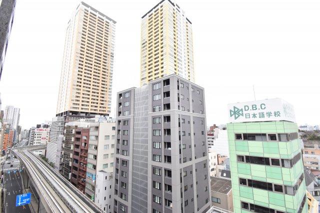 駅と4分の好立地ならでの眺望です。都会のビル群を眺めながらの生活をしてみませんか?