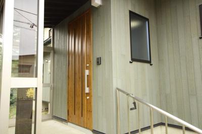 【玄関】米沢市西大通1丁目 2階建て中古物件リノベーション済