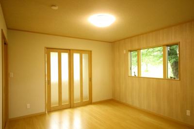 【寝室】米沢市西大通1丁目 2階建て中古物件リノベーション済