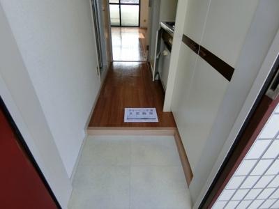 【玄関】ラディーナマンション