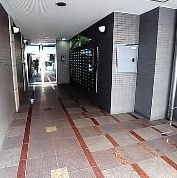 【エントランス】エステート・モア・博多公園通り