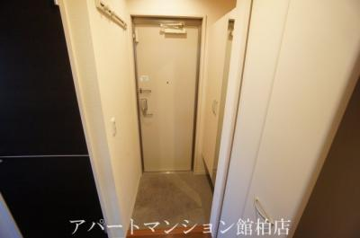 【玄関】リースフォート