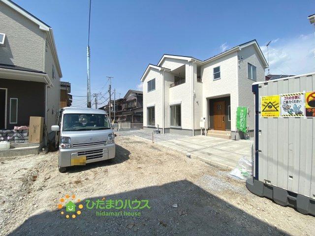【前面道路含む現地写真】古河市静町 第2 新築一戸建て 01 リーブルガーデン