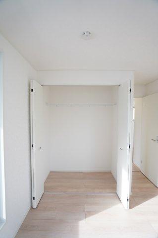 収納もきちんとあってお部屋がすっきり片付きますね