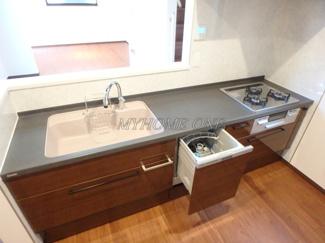 食洗器付きシステムキッチン