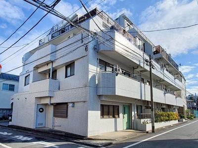 東京メトロ副都心線、有楽町線「千川」駅まで徒歩5分圏内の立地。