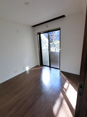 5.2帖の洋室です。 子供部屋やワークスペースとしても活用できます。