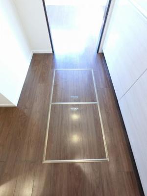 キッチン部分の床下収納です。