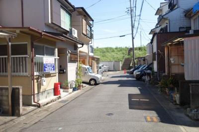 【前面道路含む現地写真】伏見区淀美豆町 中古戸建