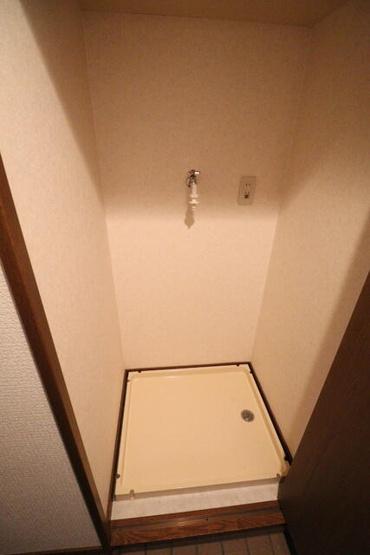 実際の205号室の室内写真です。