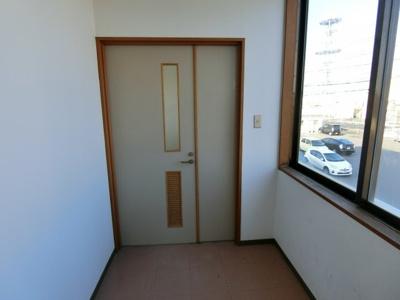 【玄関】バリュービル2F