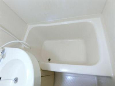 浴室は3点ユニットバス
