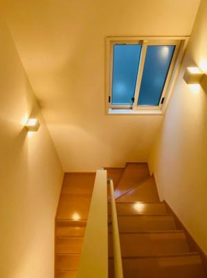昇降し易い設計の階段です