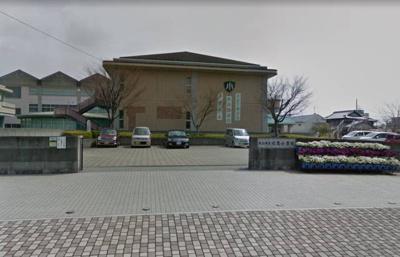 松山市立双葉小学校 669m