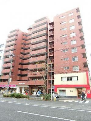 東急東横線・メトロ日比谷線「中目黒」駅まで徒歩約5分の魅力的な立地です。