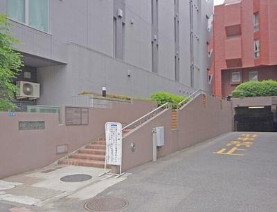 東京メトロ日比谷線・都営大江戸線「六本木」駅も徒歩約7分の立地です。