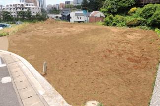 千葉市中央区亥鼻 土地 本千葉駅 前面道路広々約7m。お車のすれ違いもラクラクです。