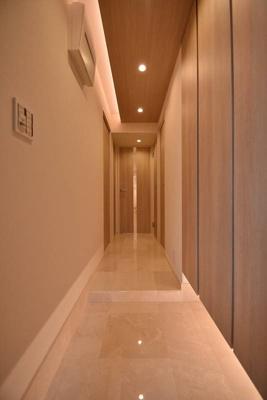 【玄関】モンファイエ菊川 4階 リ ノベーション済 2000年築