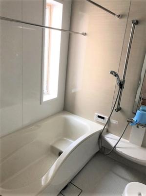 お風呂も広いです♪追炊き&換気乾燥機付き♪トイレも2カ所あります♪
