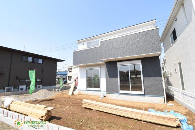 【外観】鴻巣市箕田 第3 新築一戸建て リーブルガーデン 01