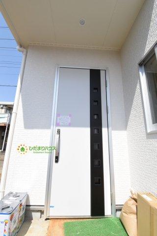 【エントランス】鴻巣市箕田 第3 新築一戸建て リーブルガーデン 01
