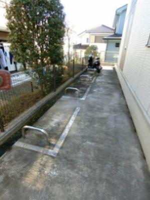 敷地内にバイク置き場を完備しています!バイクをお持ちの方にオススメです♪