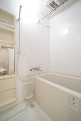 浴室乾燥機付き♪一日の疲れを癒すのはやっぱりお風呂ですね♪