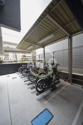 プレサンス松屋町駅前 バイク置き場