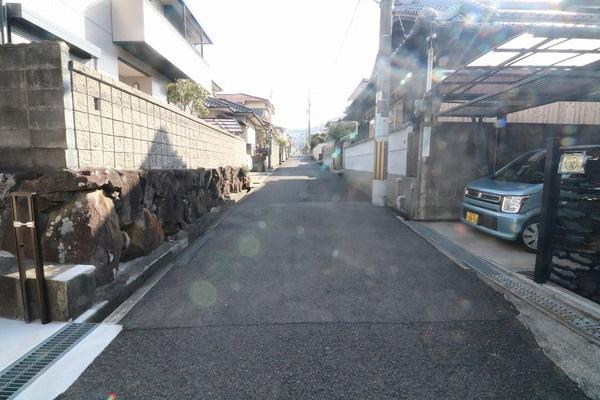 住宅街で車通りも少ないです♪