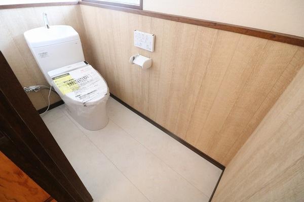 トイレ新調!清潔感のあるトイレです♪