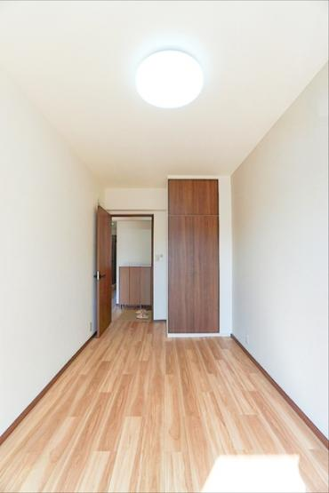 各お部屋には収納を完備しております! クローゼットがあるとお部屋も広く使えて助かりますね!