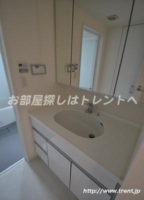 【独立洗面台】ザプレミアムスイート高田馬場