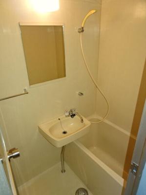 コンパクトで使いやすい洗面所 【COCO SMILE ココスマイル】同型タイプ