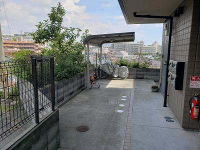 駐輪場☆神戸市垂水区 パレ・シェール霞ヶ丘 賃貸☆