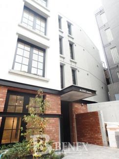 アレーロ新宿の外観です