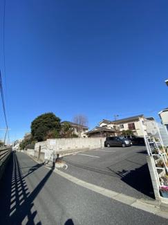 千葉市中央区春日 土地 西千葉駅 前面道路通りの少ない道路ですので、安心して駐車が可能です!