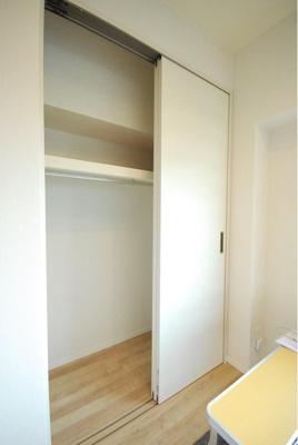 収納スペースは引き戸を採用、お部屋を広々とお使いいただけます。