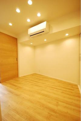 エアコンや照明器具付きで、ご入居後すぐにおくつろぎいただけます。