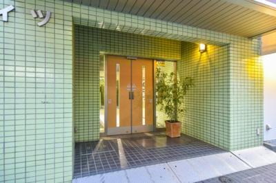東武東上線「成増」駅徒歩約3分、通勤通学に便利な立地です。
