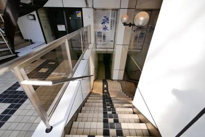 地下1階、地上11階建てのマンションです。